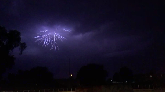 Check Out Scary Lightning 39 Tree 39 Over Boise WATCH